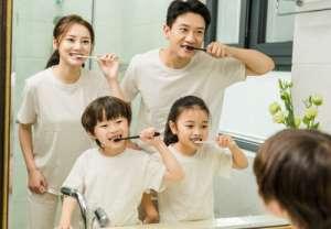 睡前不刷牙,有感染心内膜炎的风险